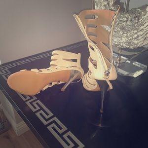 Gissupie heels very rare